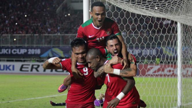 Indonesia Menang 2-1 atas Vietnam di Stadion Pakansari