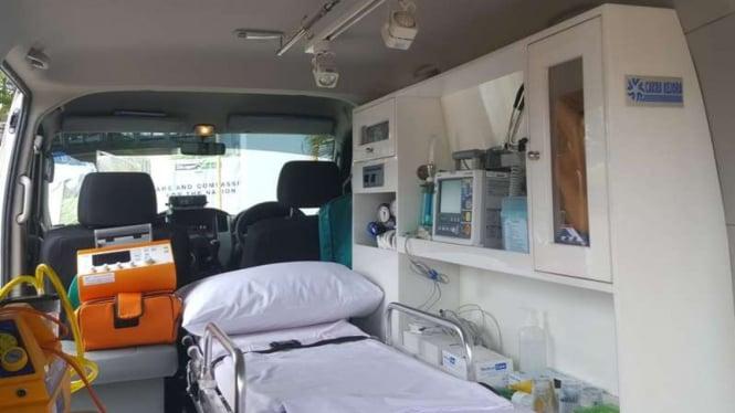 Perlengkapan dalam mobil ambulans