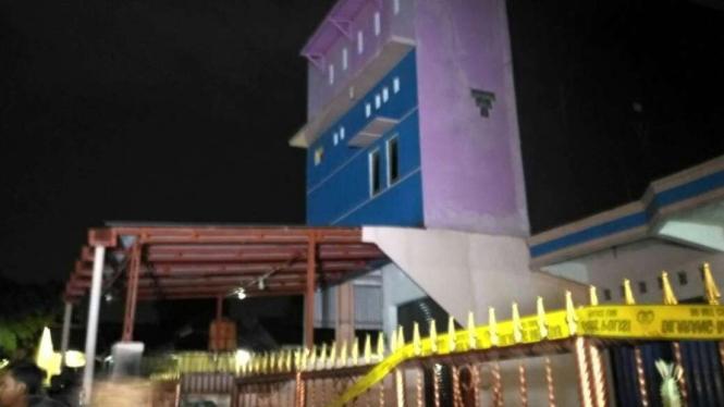 Kontrakan tempat ditemukannya bom seberat 3 kg di Bintara, Bekasi