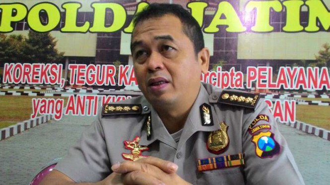 Kepala Bidang Hubungan Masyarakat Polda Jatim, Komisaris Besar Polisi Frans Barung Mangera, di Surabaya, pada Rabu, 14 Desember 2016.