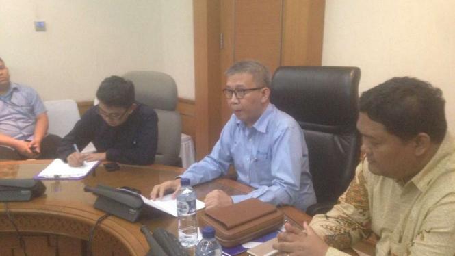 Dirut PT Transportasi Jakarta  Budi Kaliwono jelaskan soal bus yang terbakar