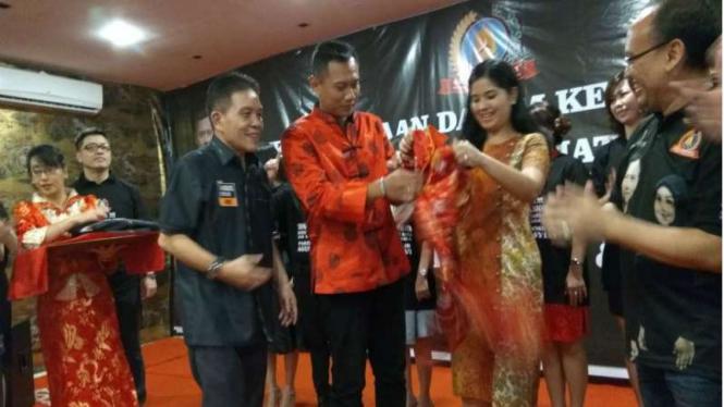 Cagub DKI Jakarta, Agus Yudhoyono,  dan istrinya, Annisa Pohan.