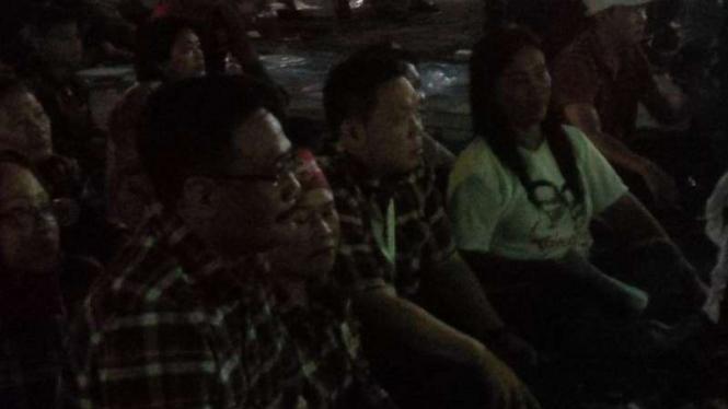 Djarot Saiful Hidayat nonton bareng dengan warga Rusun Marunda