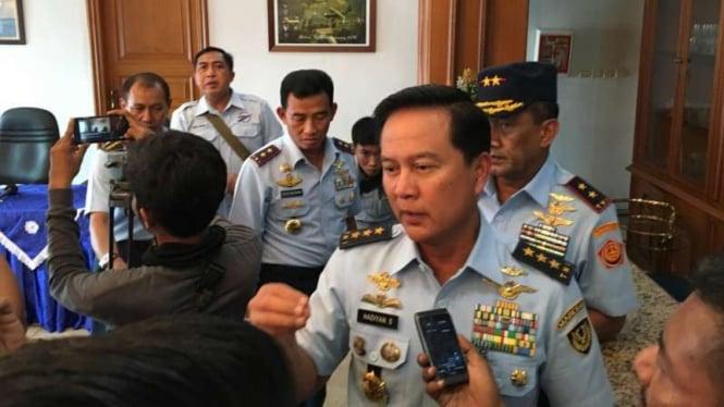 Wakil Kepala Staf Angkatan Udara Marsekal Madya Hadiyan Sumintaatmadja.