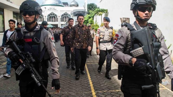 Gubernur DKI Jakarta nonaktif Basuki Tjahaja Purnama atau Ahok mendapat pengawalan kepolisian menjelang pelaksanaan sidang lanjutan