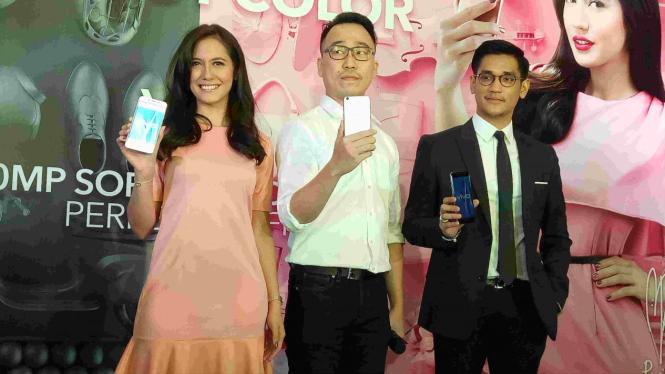 Pevita Pearce dan Afgansyah Reza jadi brand ambassador Vivo V5