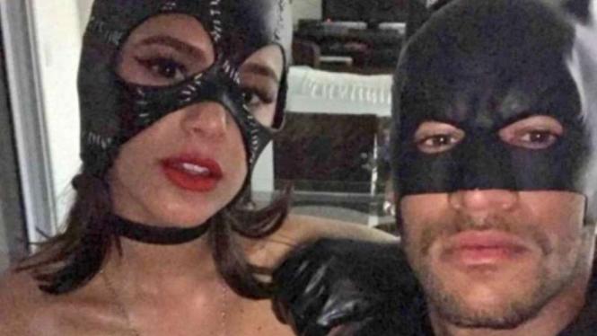 Neymar bersama mantan pacarnya, Bruna Marquezine