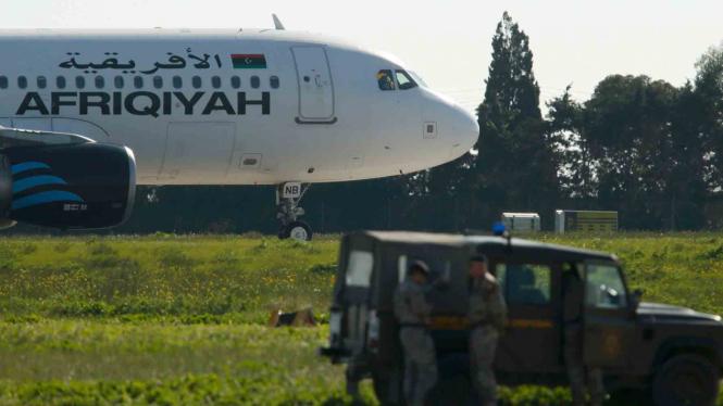 Dibajak, pesawat Afriqiyah Airways A320 mendarat darurat di Bandara Malta