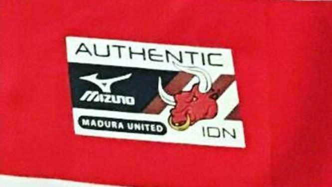 Detail kostum baru Madura United