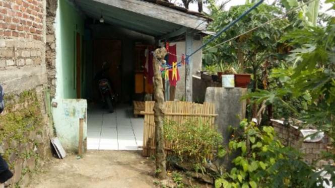 Rumah Ivan Rahmat Syarif, Terduga Teroris yang ditangkap di Jatiluhur