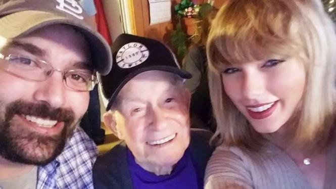 Taylor Swift dan Robert Frye