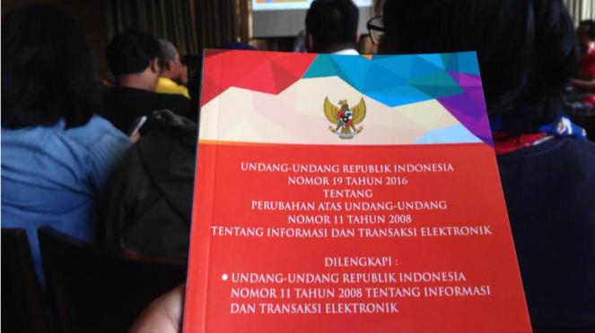 Naskah UU ITE hasil revisi