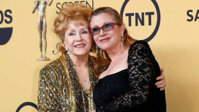 Debbie Reynolds dan Carrie Fisher