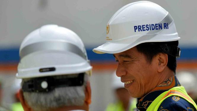 Presiden Jokowi Tinjau Wisma Atlet Kemayoran