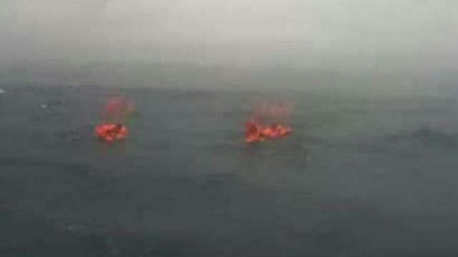 Ilustrasi speedboat tenggelam.