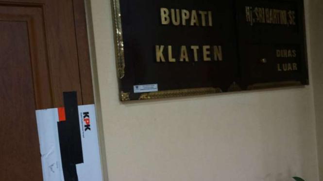 KPK segel ruang kerja Bupati Klaten, Sri Hartini