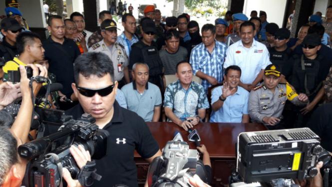 Kapolda Metro Jaya, Irjen Pol M. Iriawan saat jumpa pers di Halim