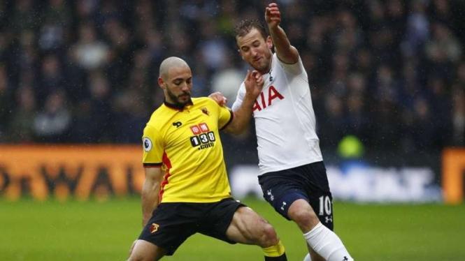 Penyerang Tottenham Hotspur, Harry Kane (kanan), dalam laga kontra Watford