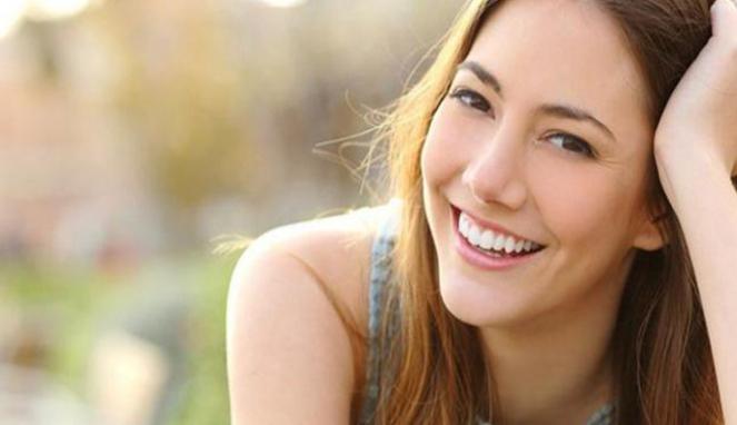 Ilustrasi tersenyum.