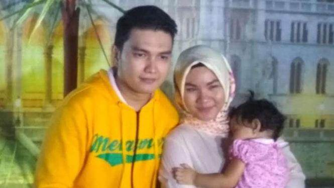 Aldi Taher dan mantan istri.