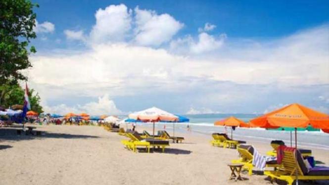 Pantai Seminyak, Pulau Bali.