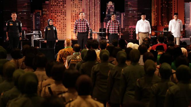 Debat Putaran Pertama Cagub dan Cawagub Pilkada DKI Jakarta pada 13 Januari 2017.