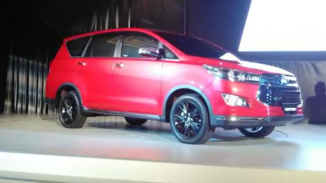 Peluncuran Toyota Innova Venturer di Jakarta.