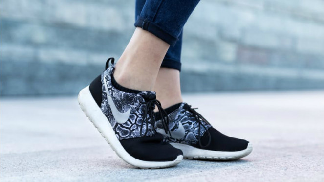 Ilustrasi sneakers