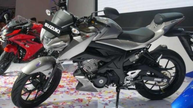 Suzuki GSX-S150.