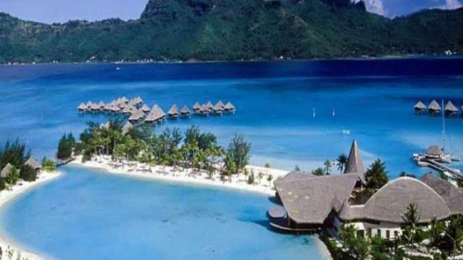 Kawasan pantai di Mandalika Pulau Lombok.
