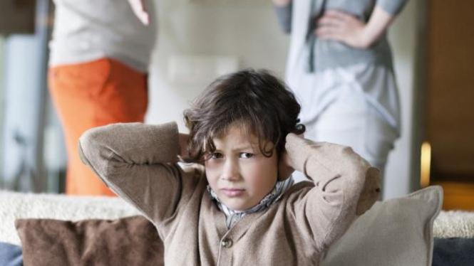 Ilustrasi anak alami kekerasan rumah tangga.