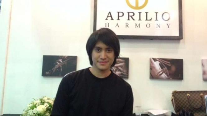 Kevin Aprilio