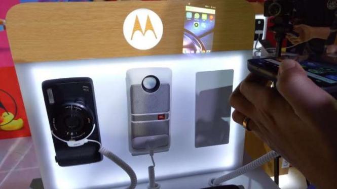 Moto Z, Moto Z Play dan Moto Mods