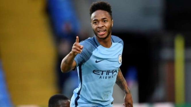 Winger Manchester City, Raheem Sterling rayakan gol