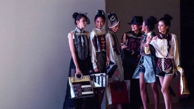 Koleksi Fesyen Pesona Mutiara dari Maumere