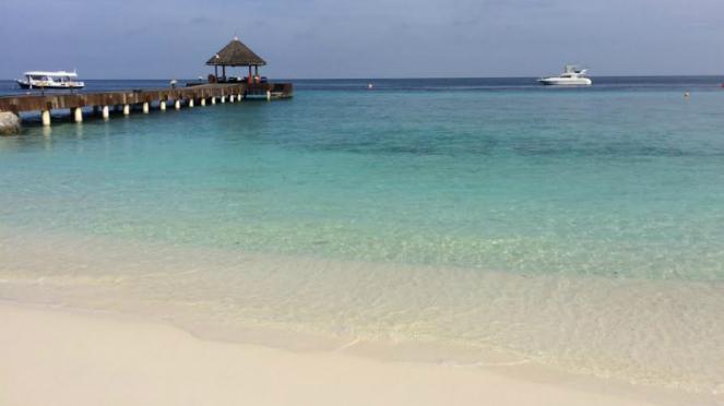 Pantai di resor Maladewa.