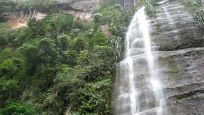 Lembah Harau, Payakumbuh, Sumatra Barat.