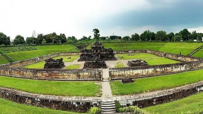 Candi Sambisari, Yogyakarta.