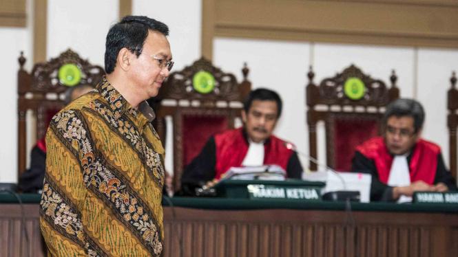 Basuki Tjahaja Purnama di ruang sidang PN Jakarta Utara.