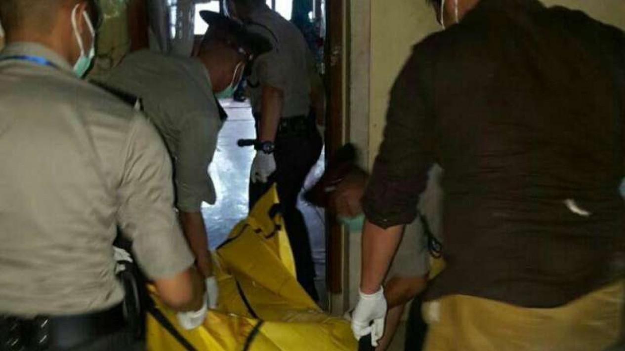 Evakuasi jenazah. (Foto ilustrasi).