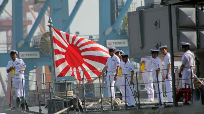 Tiga Kapal Militer Jepang Bersandar di Jakarta