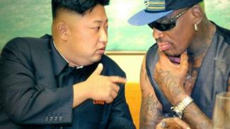 Pemimpin Korea Utara, Kim Jong-un bersama Dennis Rodman.