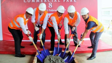 Topping Off Ceremony Sentra Timur Commercial Park.