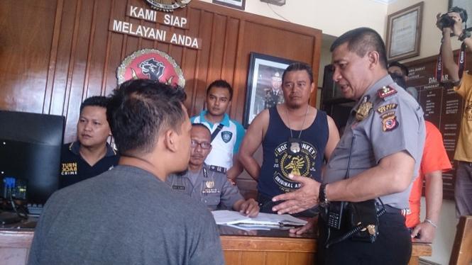 Kepala Desa Cigagade,  Garut, ditangkap karena korupsi dana desa