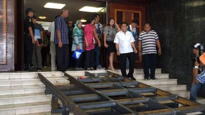 Ketua DPR Setya Novanto meninjau kesiapan gedung menyambut Raja Salman.