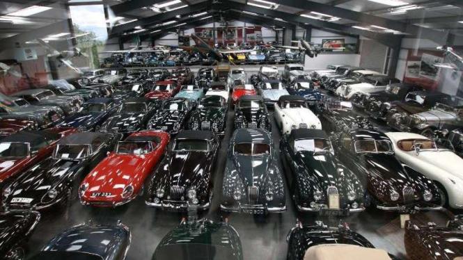 Video Punya 7 000 Mobil Mewah Ini Isi Garasi Sultan Brunei Viva