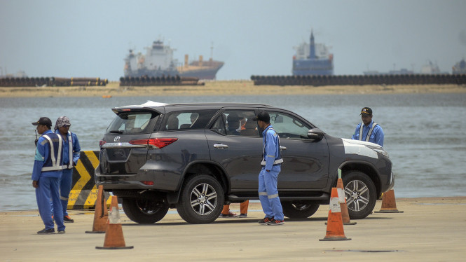 Mobil Toyota Buatan Indonesia siap di Eksport ke Luar Negeri