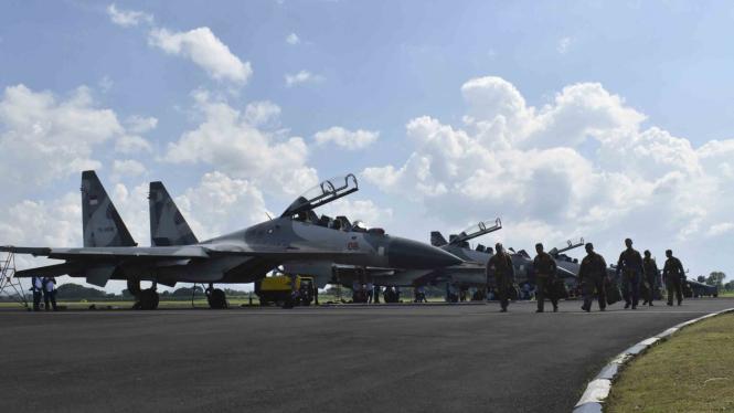 Pesawat jet tempur TNI AU yang akan atraksi pada Minggu, 9 April 2017.