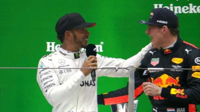 Lewis Hamilton dan Max Verstappen
