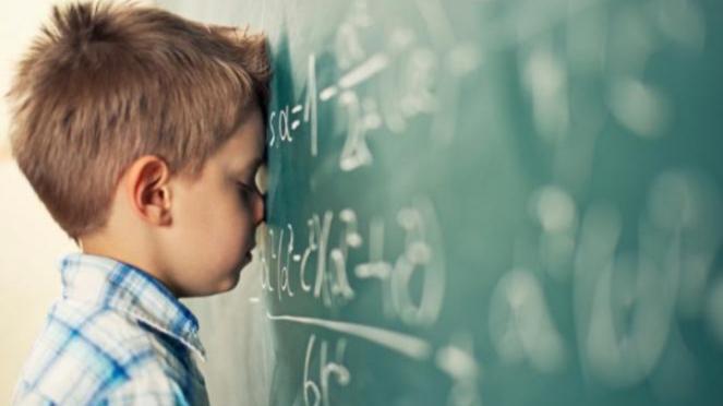 Anak paling sebal dengan pelajaran matematika.